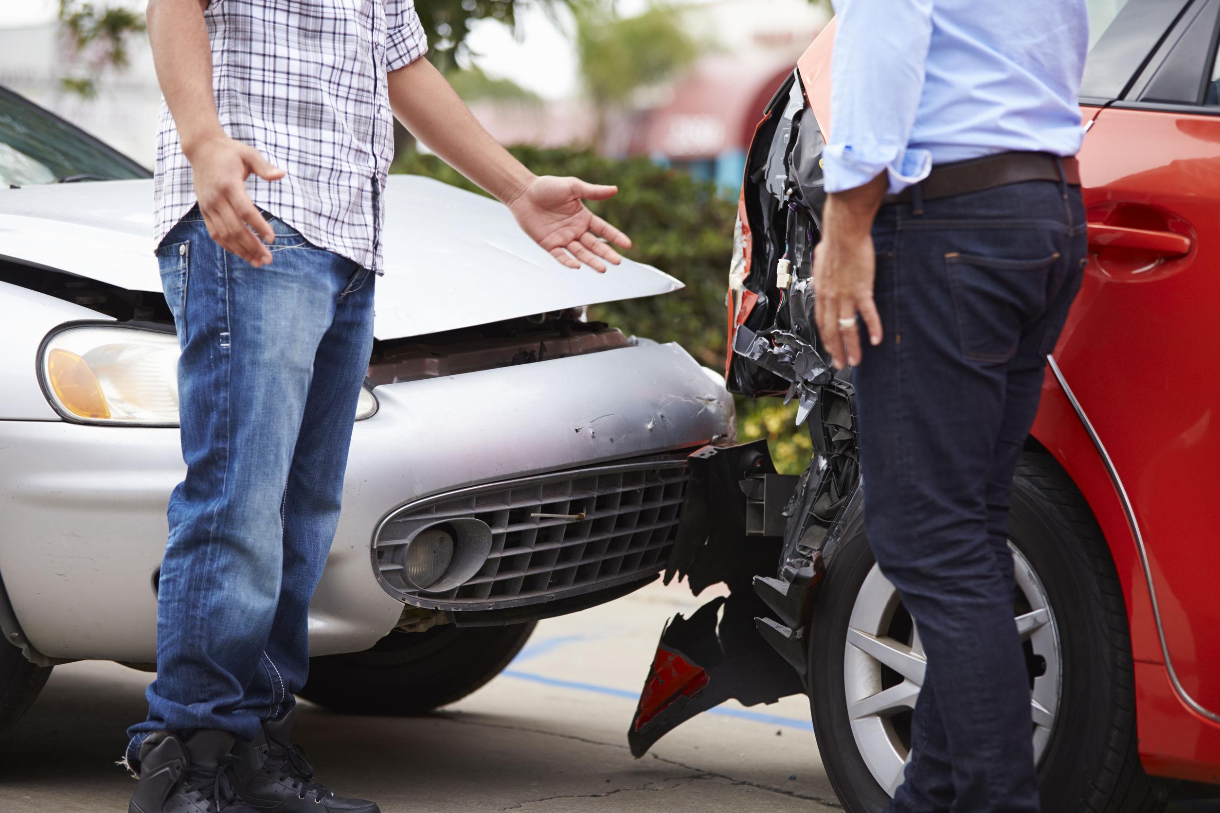 accidente de tráfico entre dos vehículos